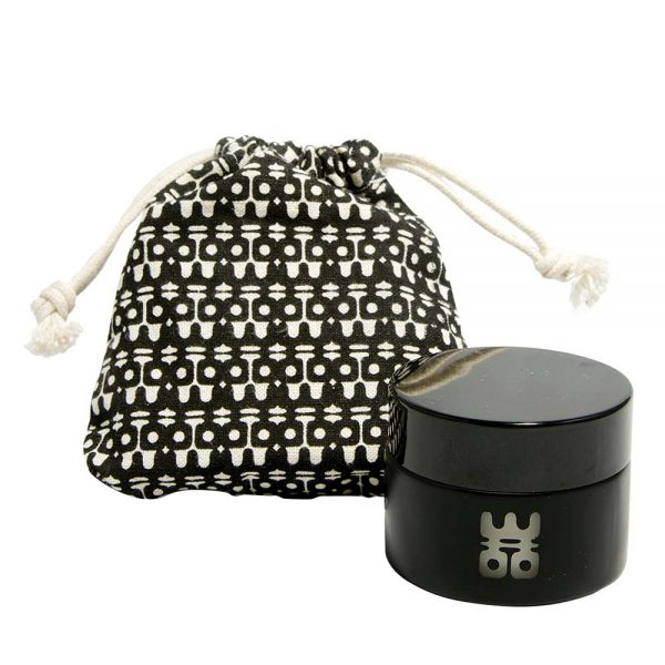 woo travel candle black with bag